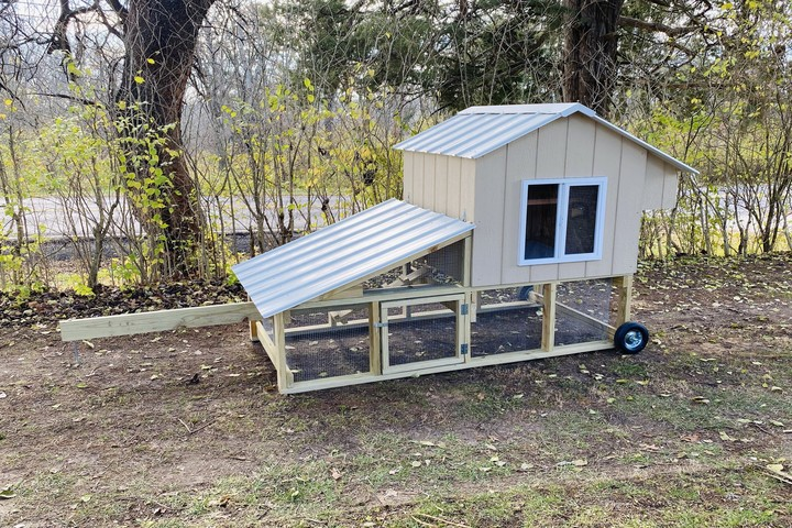 Mansion Coop - Chicken - St. Louis - Missouri - Rental - Chicken Coop - The Easy Chicken